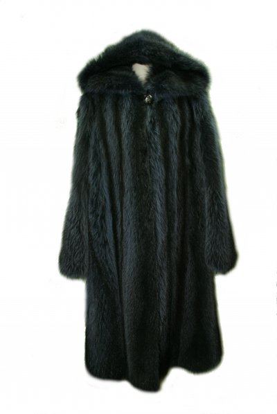 Меховое пальто из енота, код 9854.
